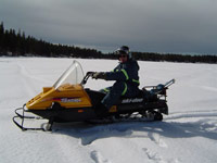 Snowmobiling und Icefishing